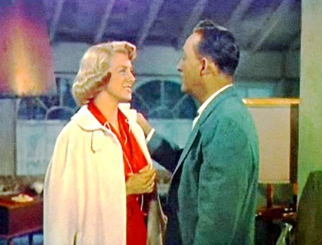 photo of Rosemary Clooney and Bing Crosby in White Christmas.